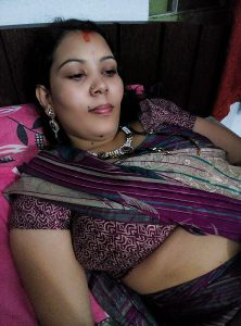 Indian Wife Apne Dost ke Sath Chudai