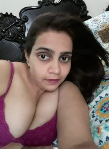 Sanjana Bhaabhi Ki Nangi Selfie