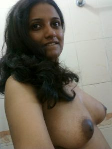 Delhi Girl Bathroom Nude Boobs Pics
