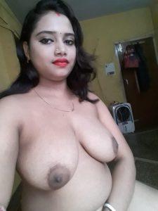 Desi Indian Wife ki Nude Photos