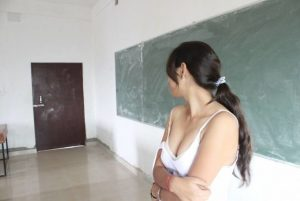 Indian school girl ke Boobs