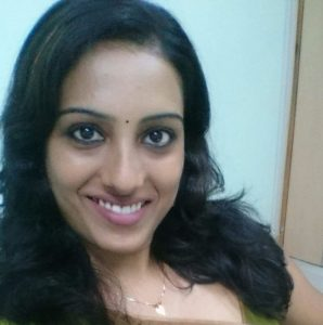 Tamil Girl Hot Selfies in Saree