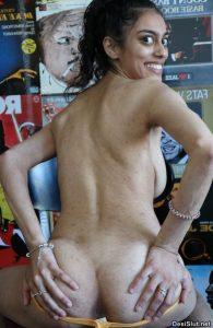 Hot Girl ki free Indian porn pics