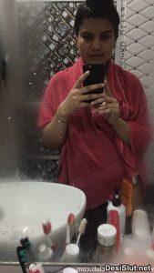 Desi Bhabhi ki Hot Boobs Pics
