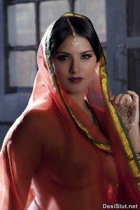 Horny Nangi Bhabhi & Wife Nude Images