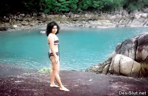 indian wife naked on vaccation 9 300x195 - Desi Bhabhi Vaccation Pe Hui Nangi