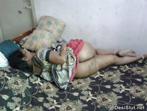 Sexy Gand Wali Indian Bhabhi or Ladkiya