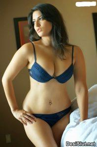 Desi Indian Ladies ki Nangi Photos