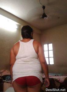 horny indian milf naked 13 219x300 - Hot Indian Aunty ki Sexy Boobs Pics