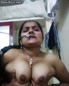 Gujarati Mangla bhabhi Nangi photos