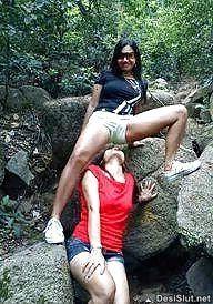 Desi Gujrati Bhabhi ki Sexy Naked Pics