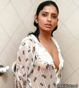 Sexy Bhabhi ki Juicy Boobs Pics