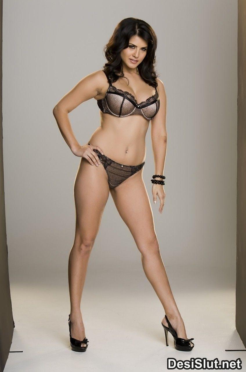 Pornstar Sunny Leone Ki Bikini Images  Nude Images-3189