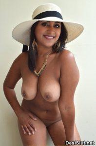 Sexy Muslim Aurtat ki Nangi Photos