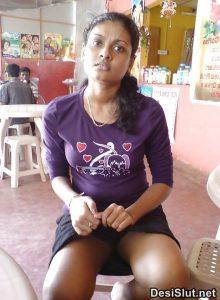 sexy desi girls xxx 13 220x300 - Rekha Bhabhi ki Gulabi Choot