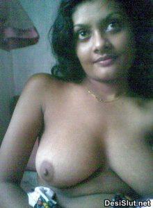 sexy desi girls xxx 15 220x300 - Rekha Bhabhi ki Gulabi Choot