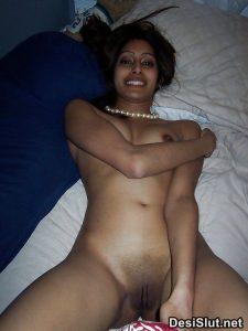 sexy desi girls xxx 21 225x300 - Rekha Bhabhi ki Gulabi Choot