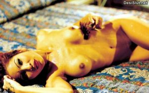 Indian Biwi Ne Chut mai Dildo Liya
