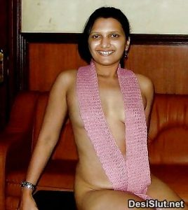 Hairy Indian Aunty or Bhabhi ki Chut Pics