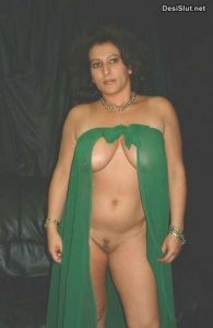 Muslim Pakistani aunty ki Nangi pics