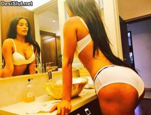 Hot Poonam Pandey ki boobs and gaand