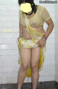 Saree Mai Bhabhi ke Sexy Big Boobs