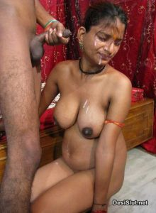 Kaamwali ke Chehre pe Virya Dala