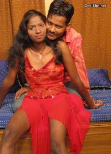 Indian porn pics - Desi kamwali ko dildo aur lund se choda