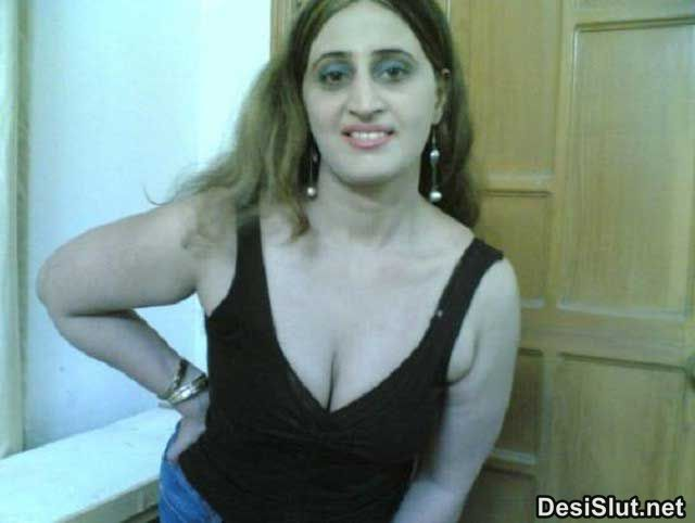 Pakistani Teacher Ke Bur Aur Boobs Ke Pics