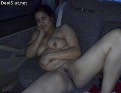 Indian Aunty Car Mai Nangi Hui