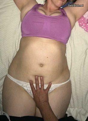 Bade Umar Wali Bhabhi ke Sexy Nude Photos